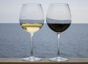 Co należy wiedzieć o podawaniu alkoholi?