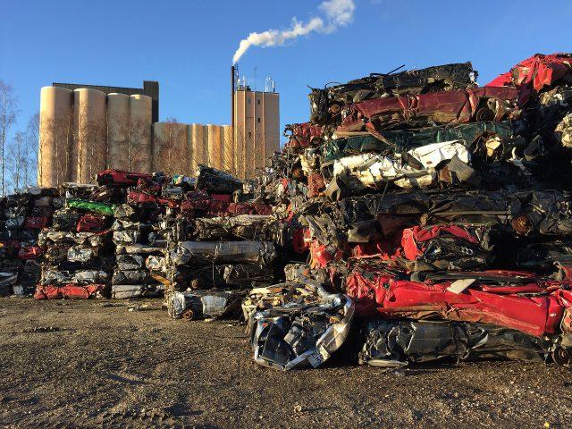Czy auta ciężarowe przyjmują w każdym skupie?
