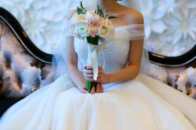 Suknia ślubna jednoczęściowa czy dwuczęściowa?