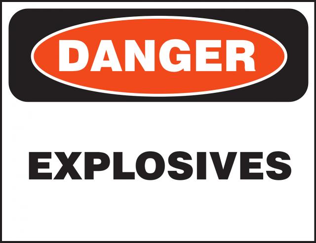 Przewóz towarów niebezpiecznych – na czym to polega?