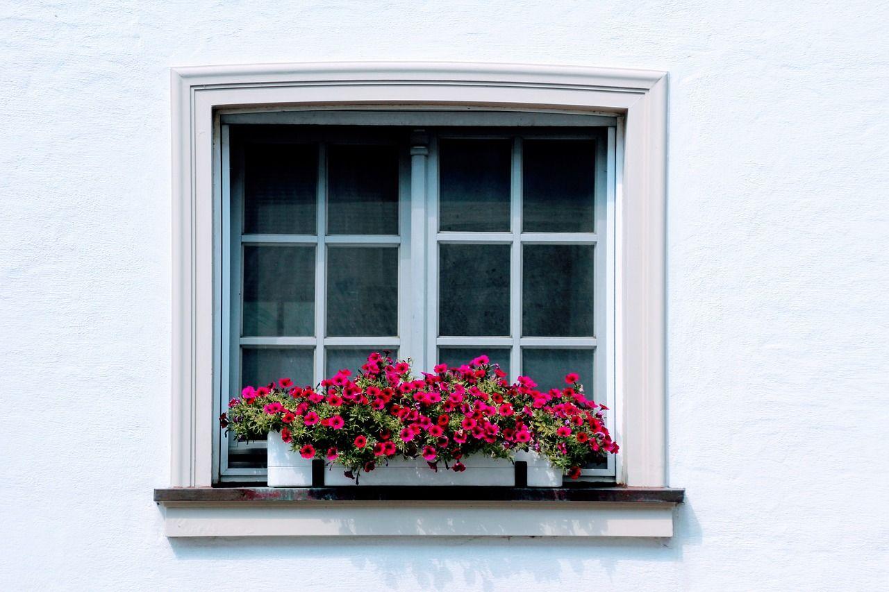 Kiedy zdecydować się na drzwi i okna PCV?
