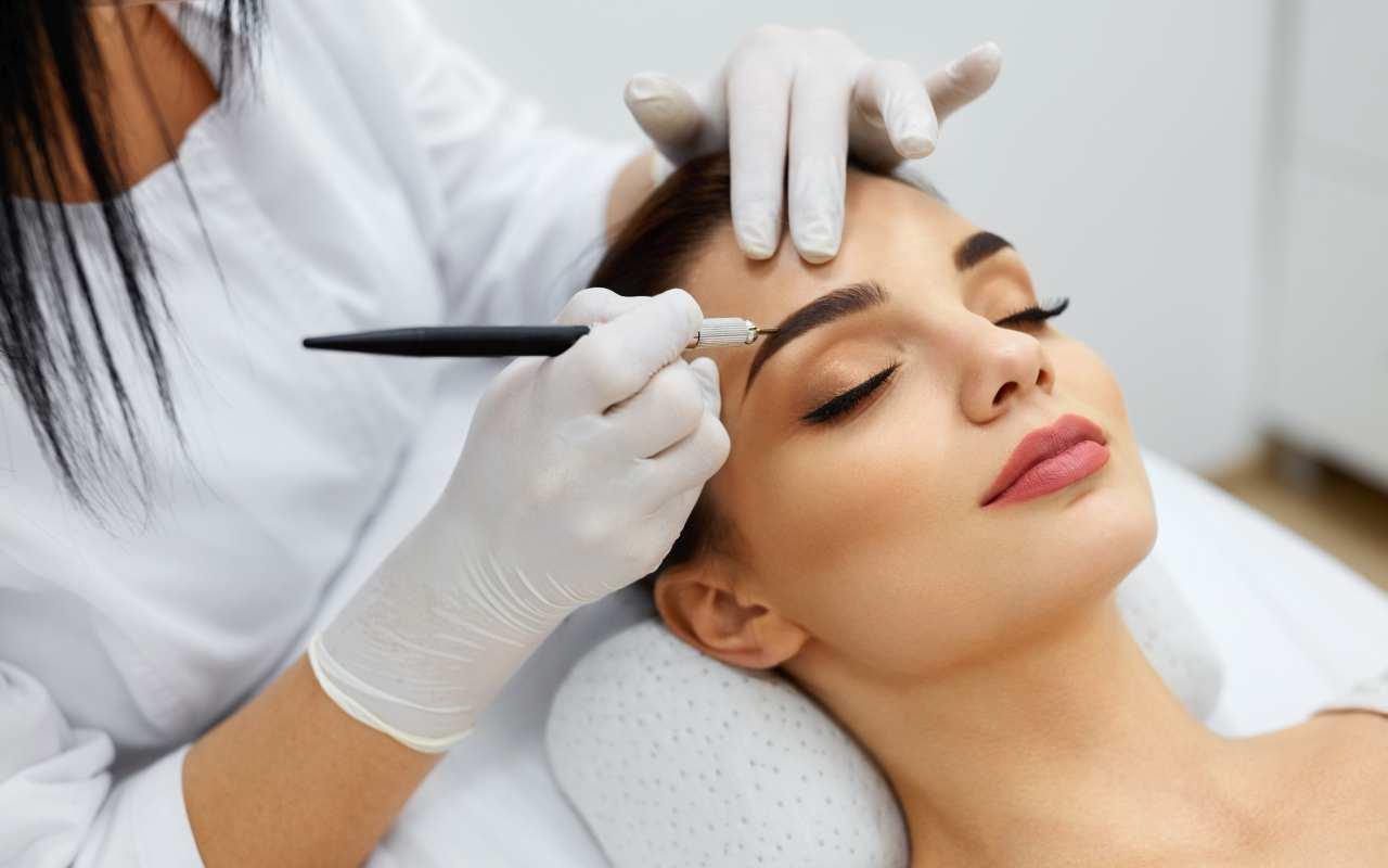 Makijaż permanentny – nowy trend