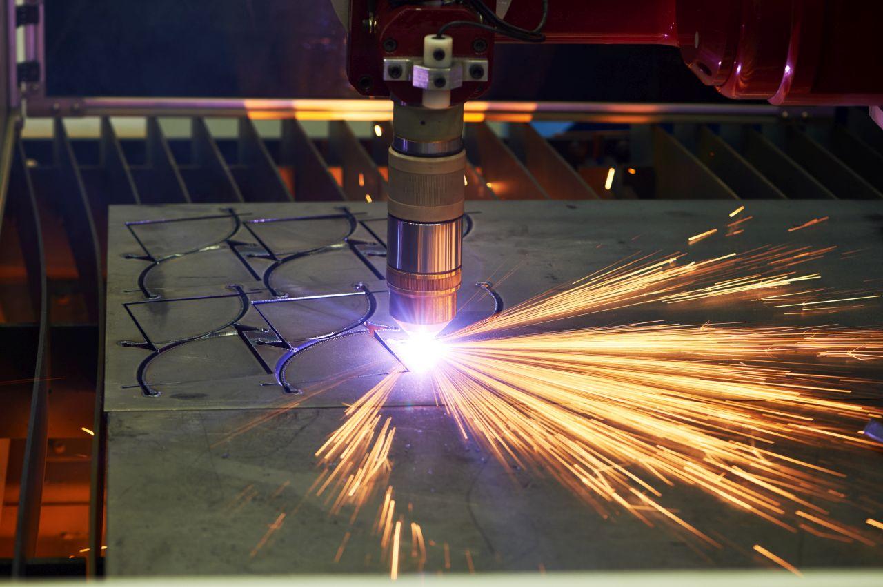 Jakie narzędzia sprawdzą się przy obróbce metalu?