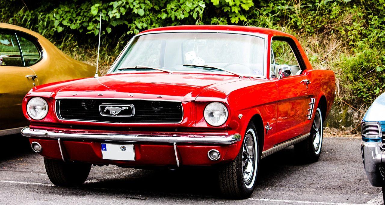 Sprzedać czy oddać do skupu – co zrobić ze starym autem?