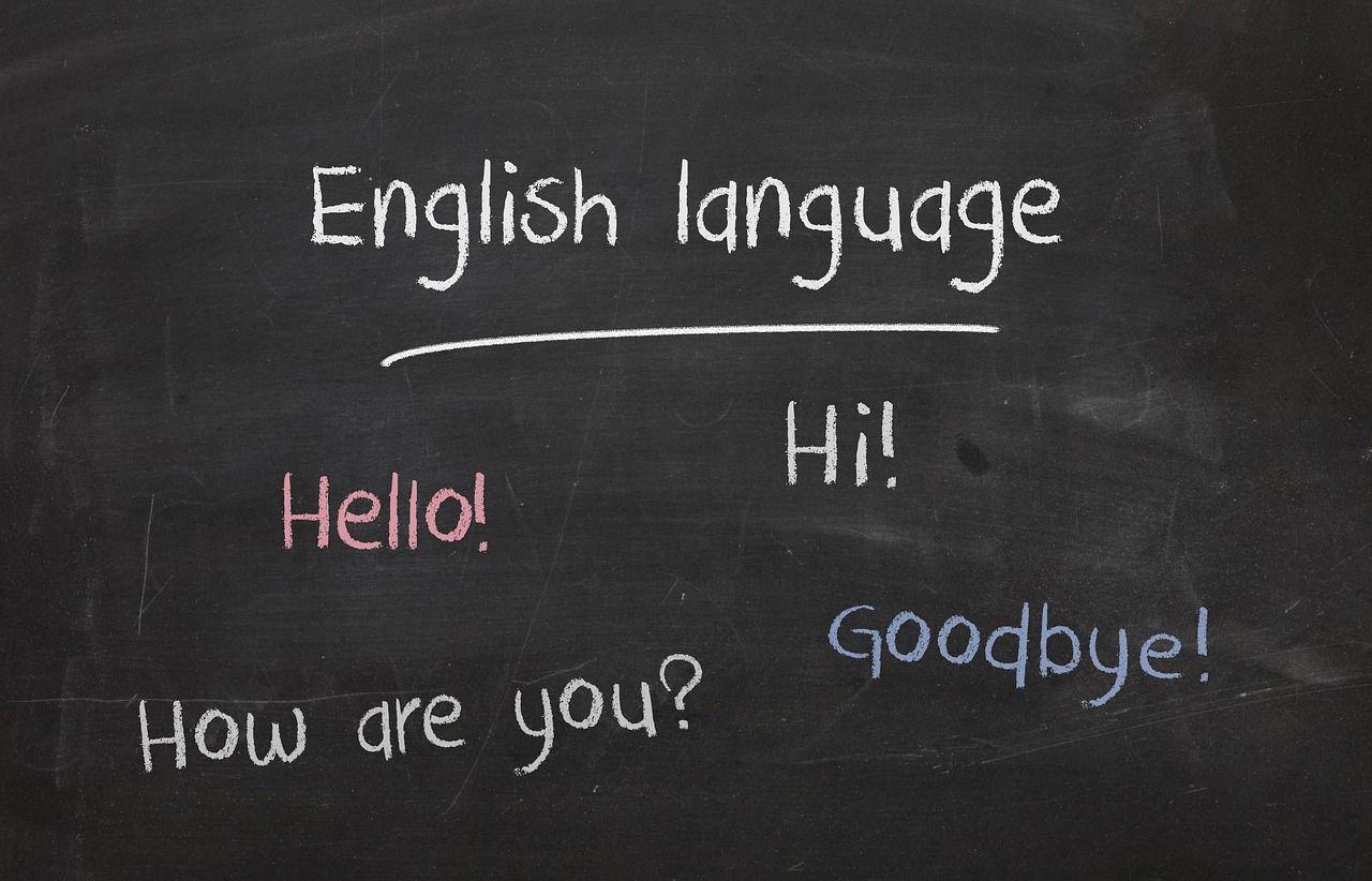 Czy zajęcia na kursie językowym pomogą dziecku zwiększyć słownictwo?
