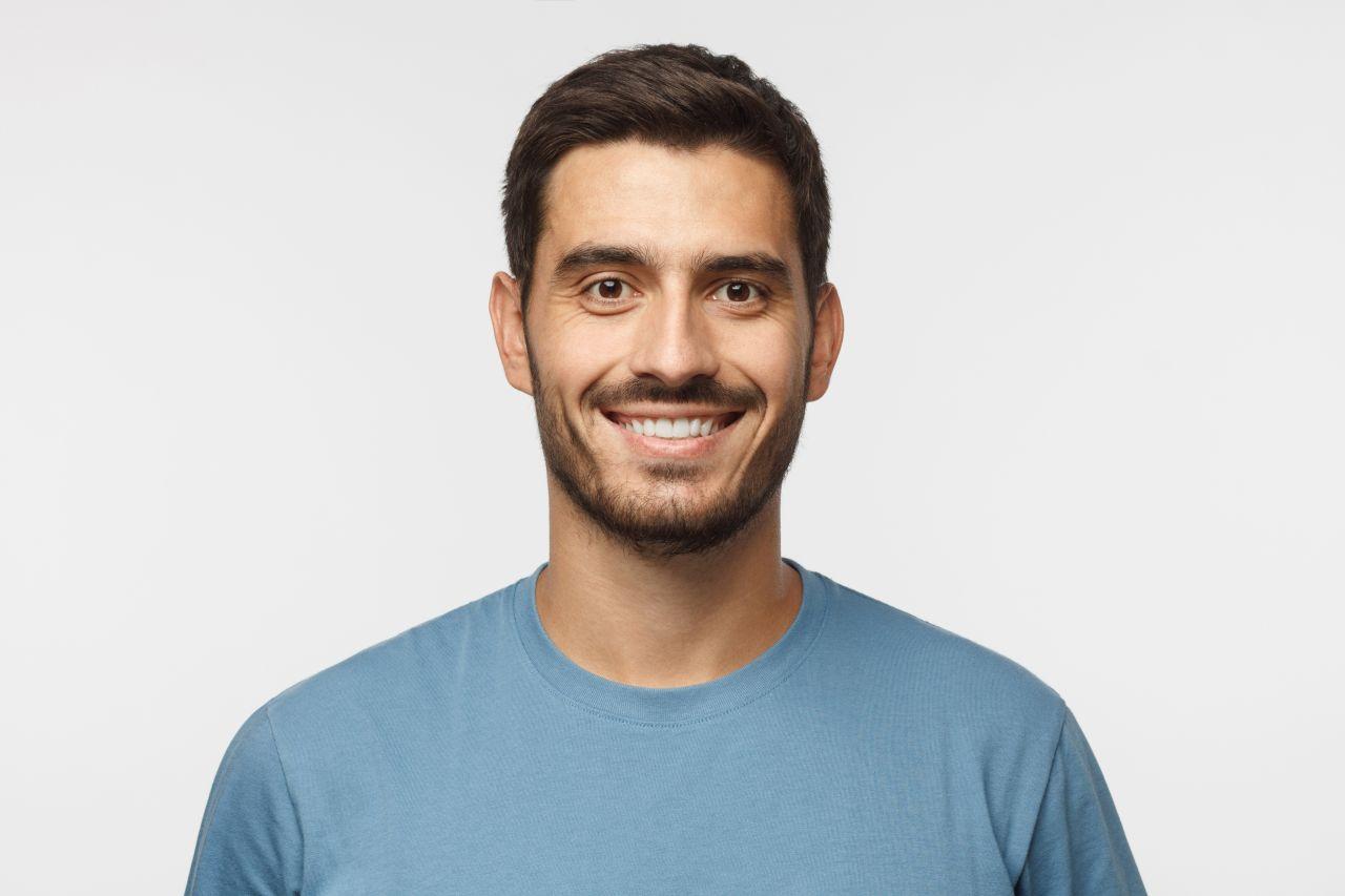 Profilaktyka w leczeniu zębów i ich estetyka (licówki porcelanowe)