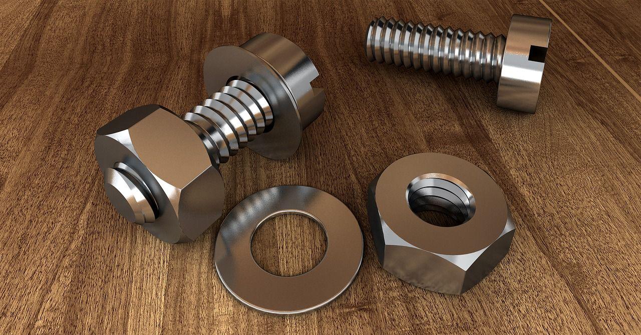Czym są nakrętki klatkowe i gdzie się ich używa?