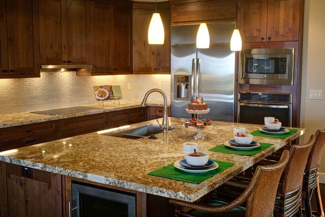 Jakie meble sprawdzą się w kuchni oraz łazience?