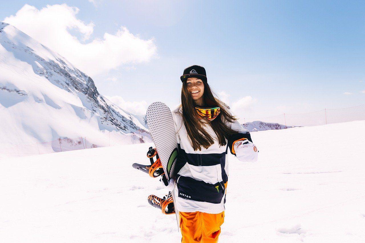 Na co zwrócić uwagę przy wyborze odpowiedniej deski snowboardowej?