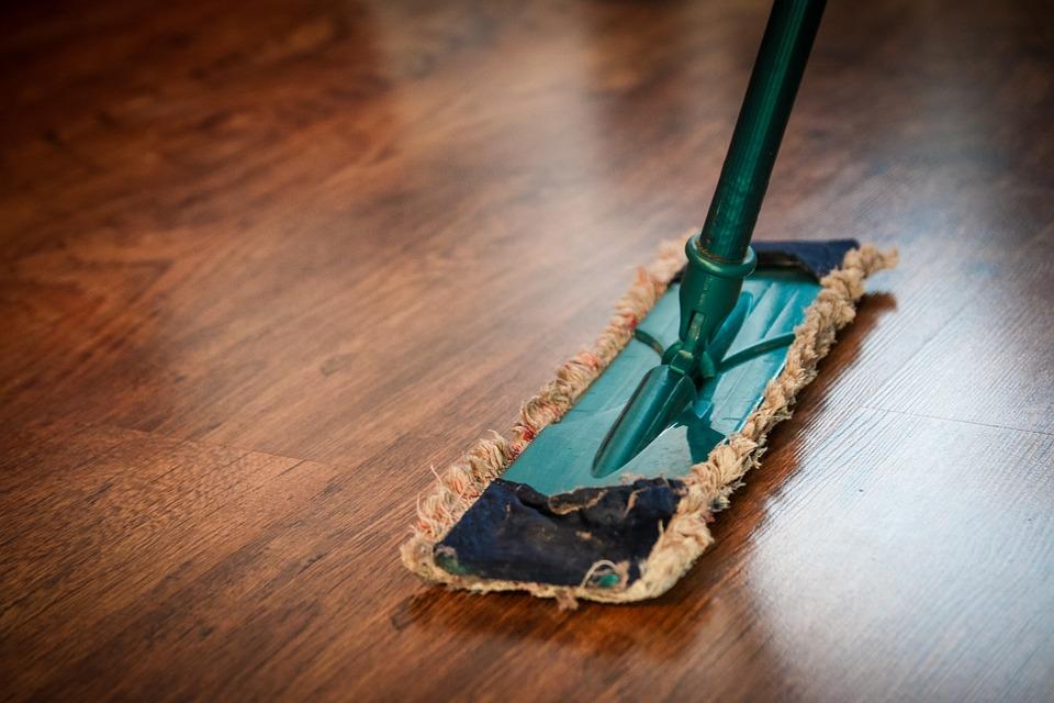Jakimi elementami wypełnić i utwardzić powierzchnię podłogi?