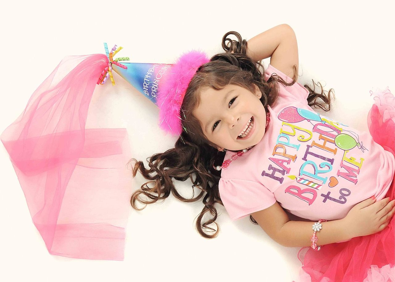 Jak zorganizować tematyczne urodziny?