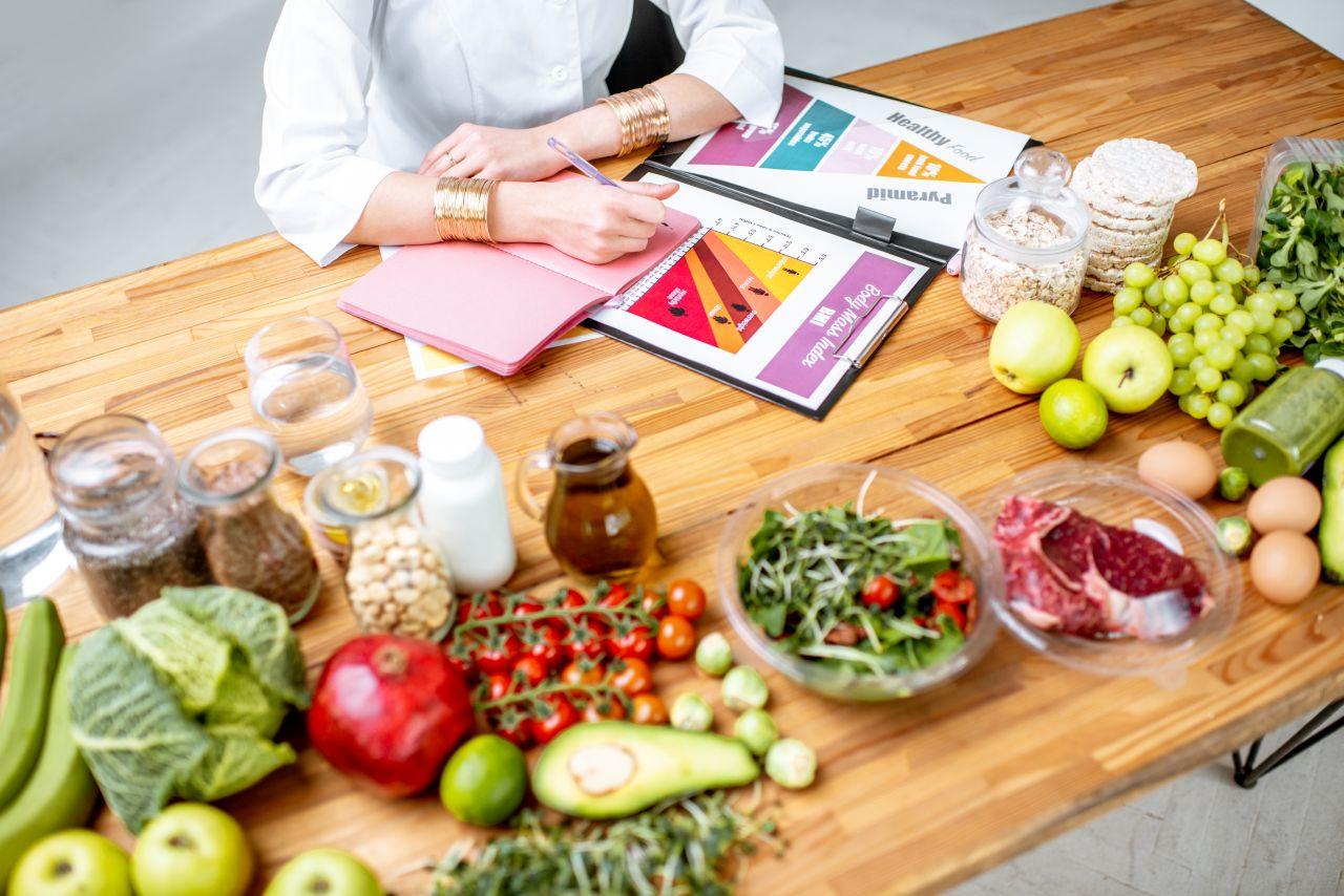 Kiedy zdecydować się wizytę u dietetyka?