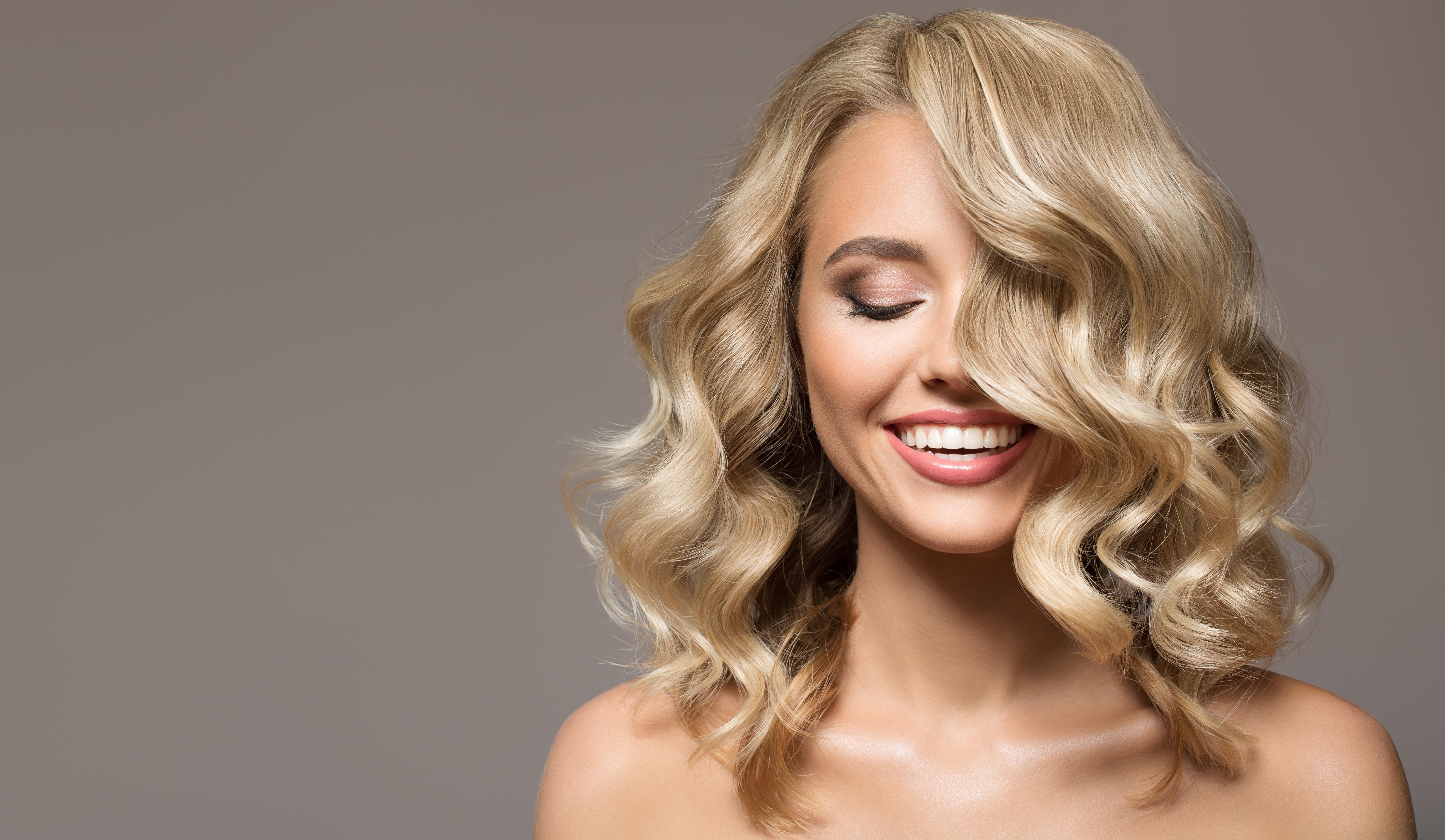Odpowiednie kosmetyki do włosów – na co zwracać uwagę?