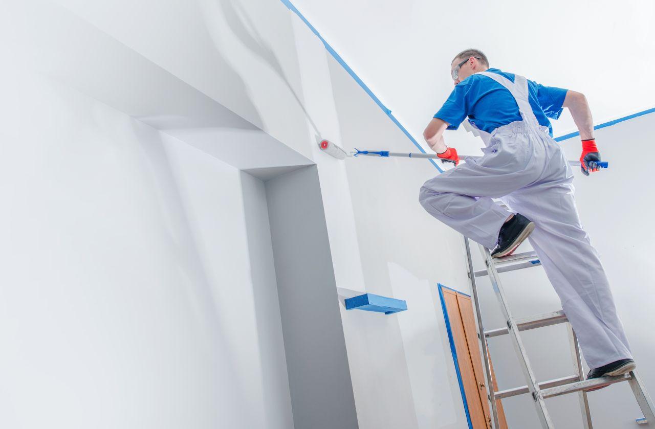 Drabiny ułatwiające remont mieszkania