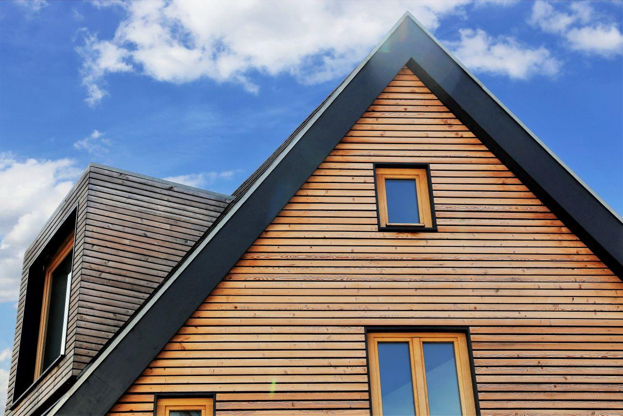 Czy warto budować drewniany dom?