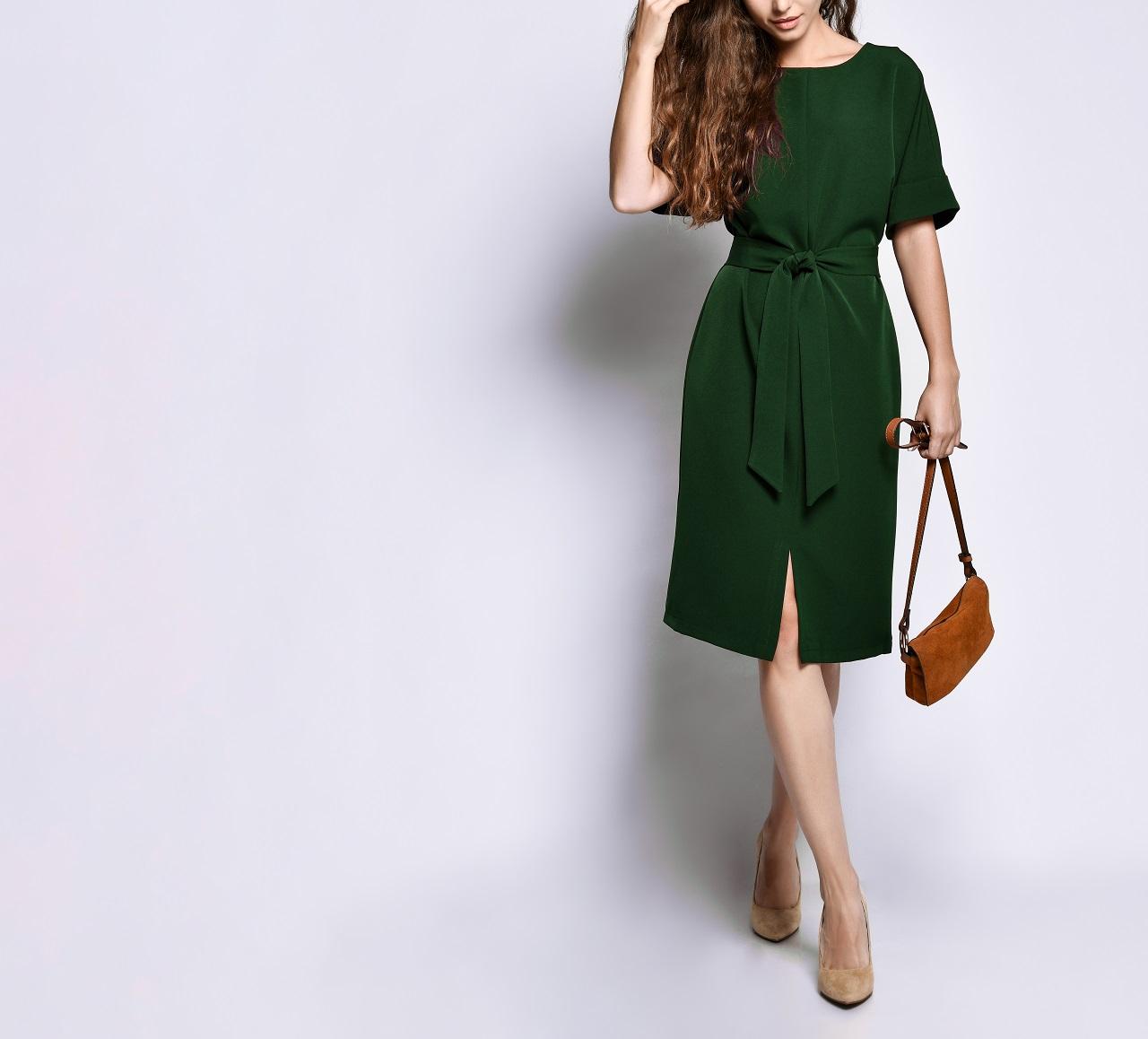 Jaką długość sukienki wybrać na oficjalne wyjścia?
