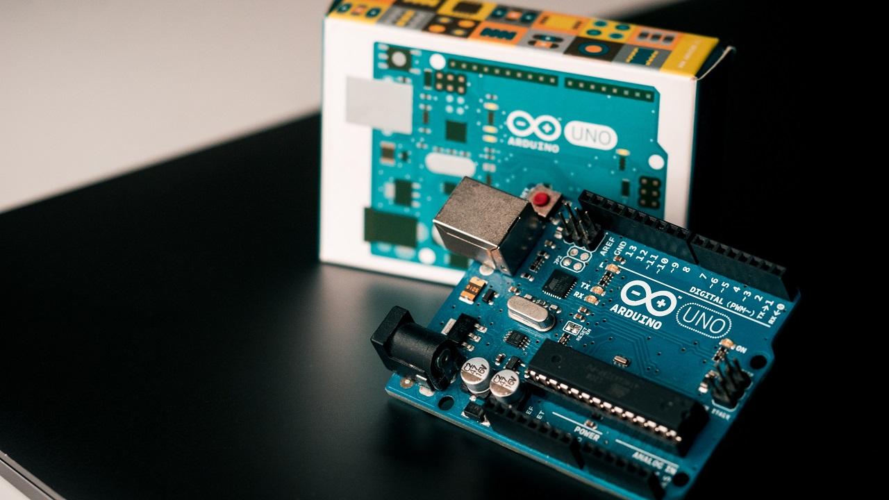 Co to jest Arduino IDE?