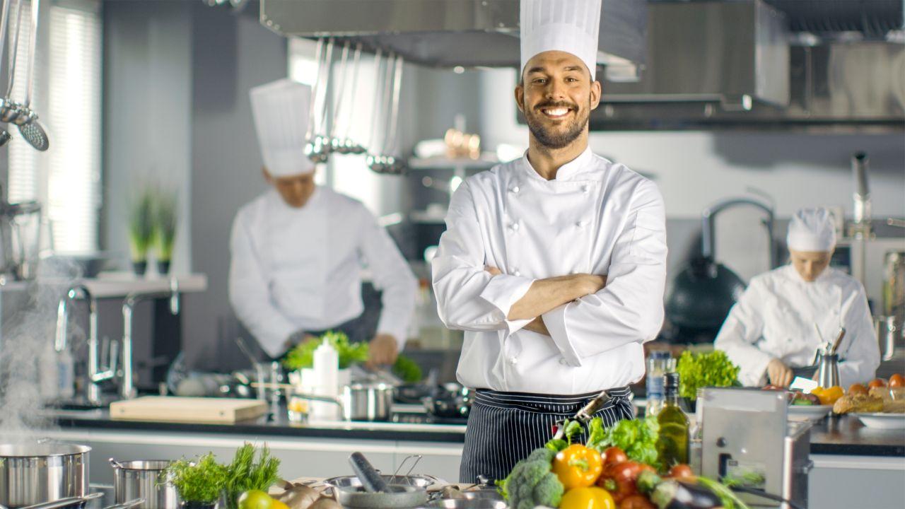 Jak powinien być ubrany szef kuchni?