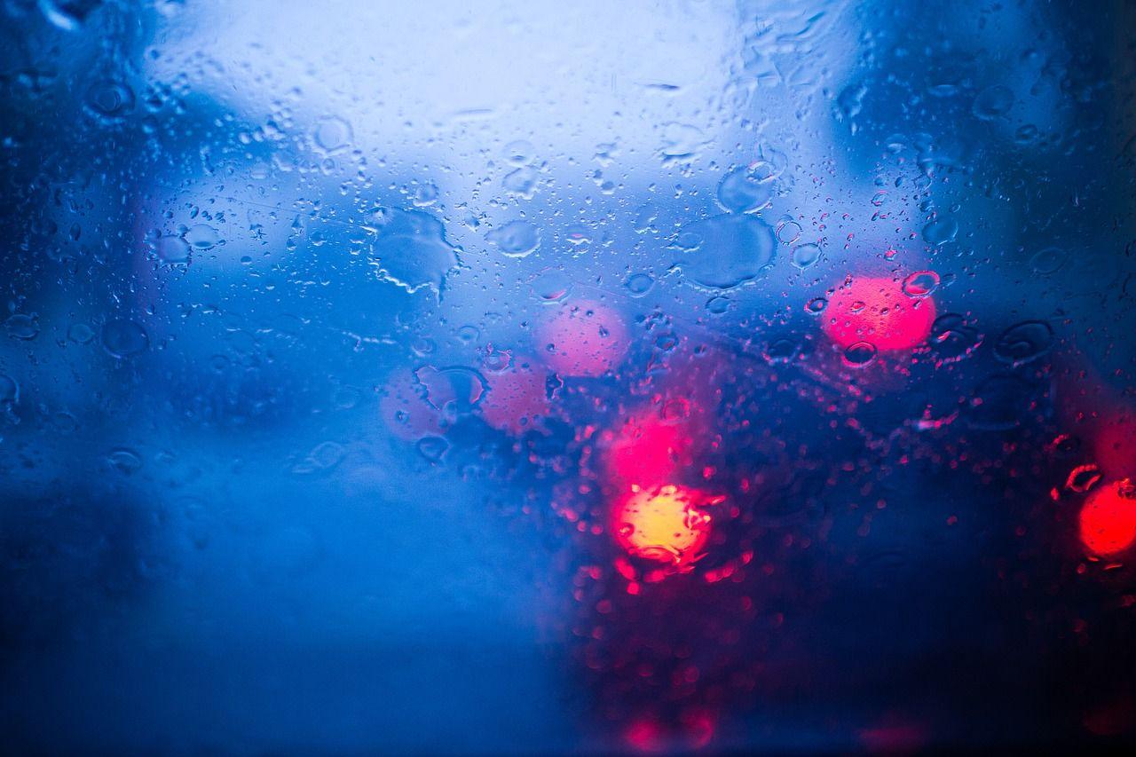 Jakie formy zadaszenia mogą uchronić samochód przed deszczem?