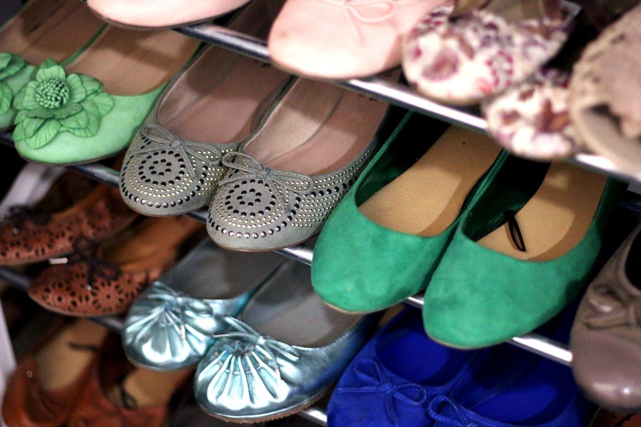 Podstawowe obuwie, jakie powinno się znaleźć w garderobie każdej damy