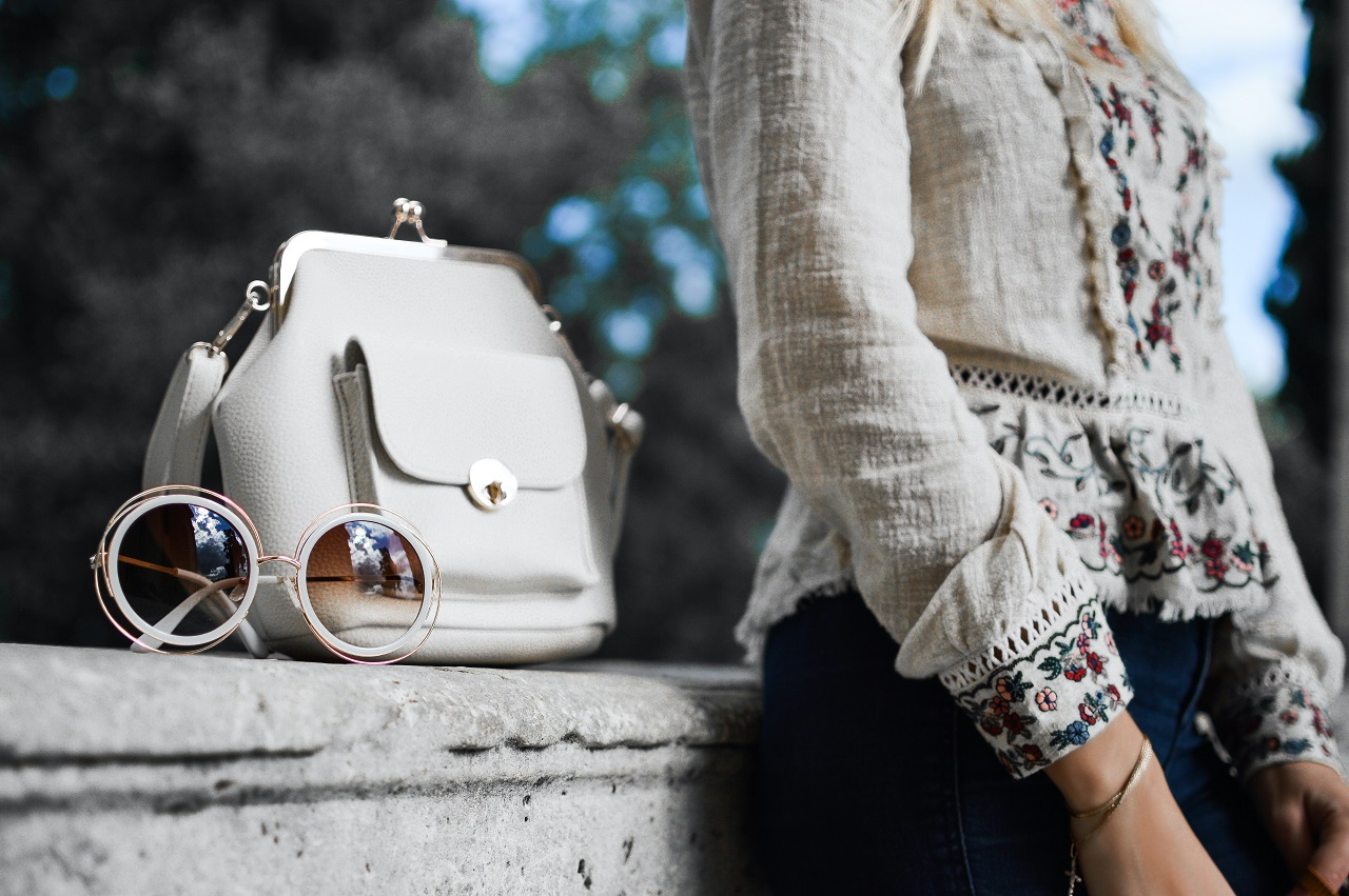Elegancka torebka – jak wybrać tę odpowiednią?