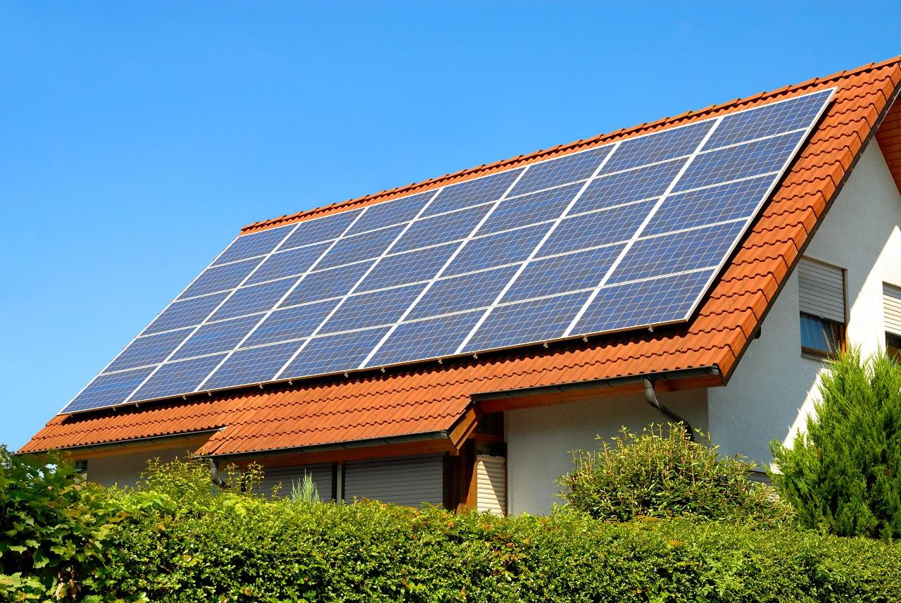 Jakie urządzenia zapewniają energię odnawialną w domach jednorodzinnych?