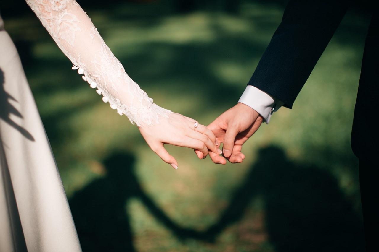 Jak ubrać młodego mężczyznę na wesele?