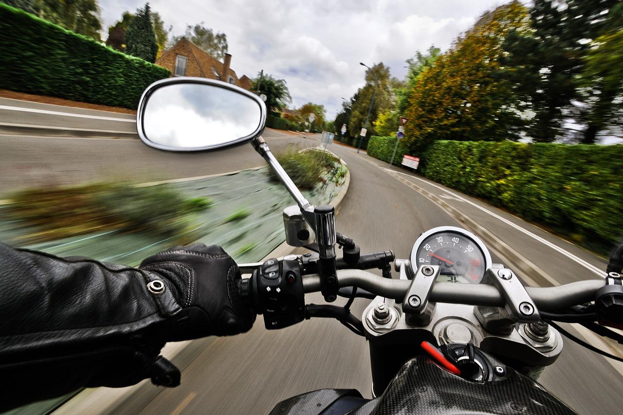 Utrzymanie bezpieczeństwa na drodze – jakie rozwiązania mogą to umożliwić