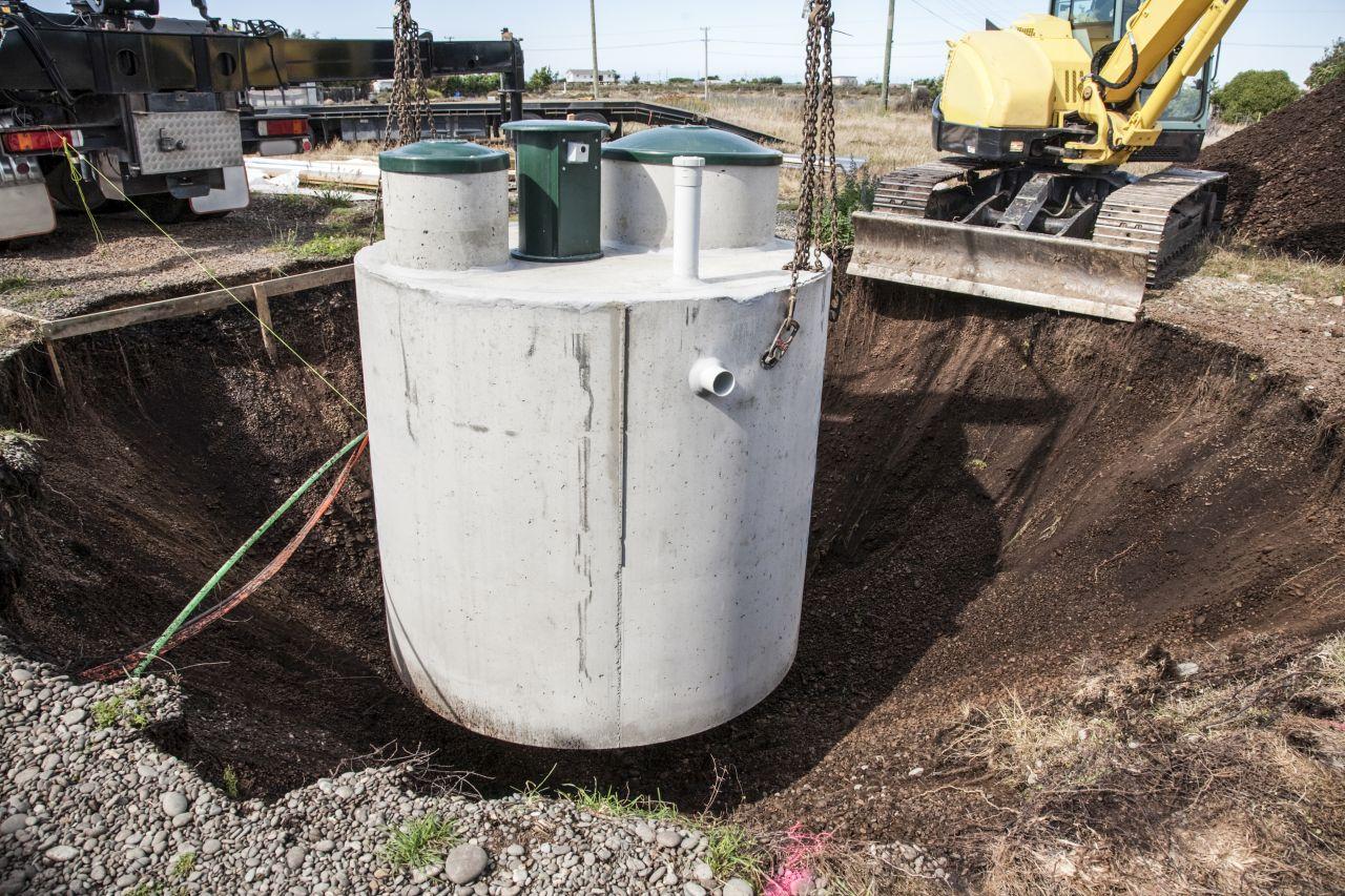 Jak wygląda montaż szamba betonowego?