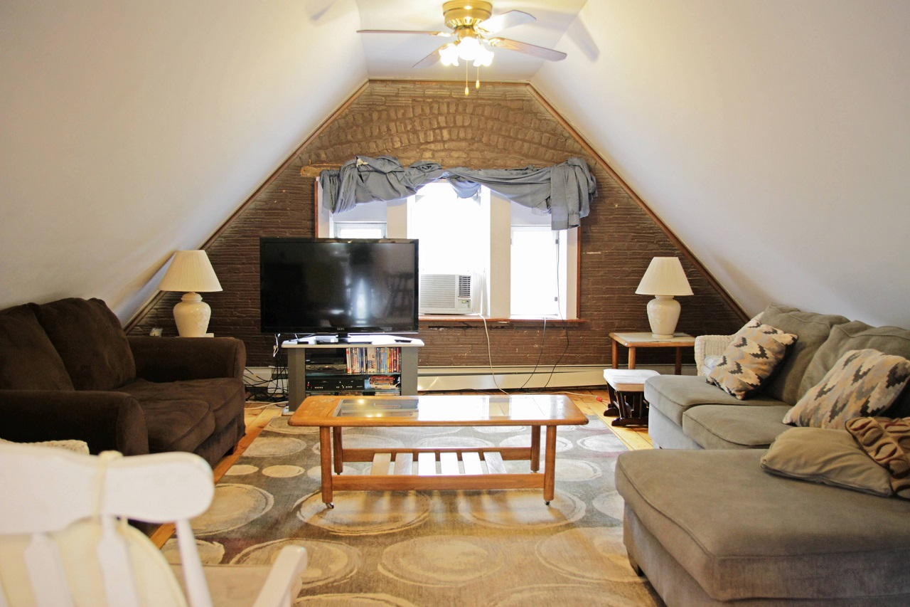 Jak wybrać ergonomiczne meble do małego mieszkania?