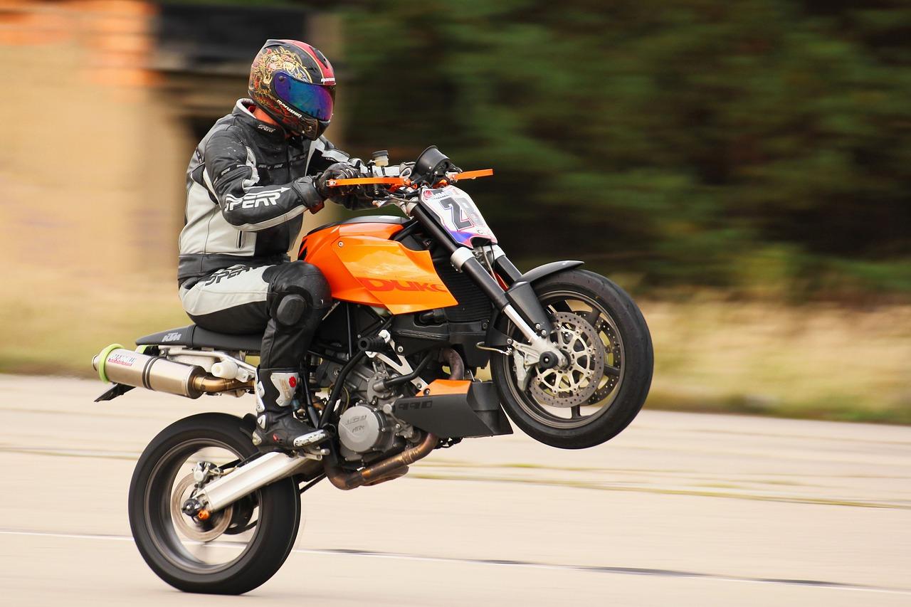 Na co zwrócić uwagę przy wyborze kasku motocyklowego?