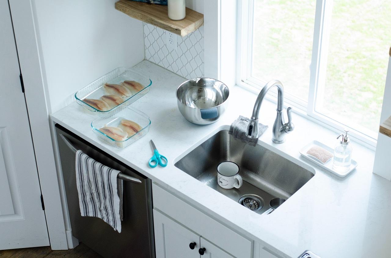 Czym się kierować przy wyborze zlewozmywaka do kuchni?