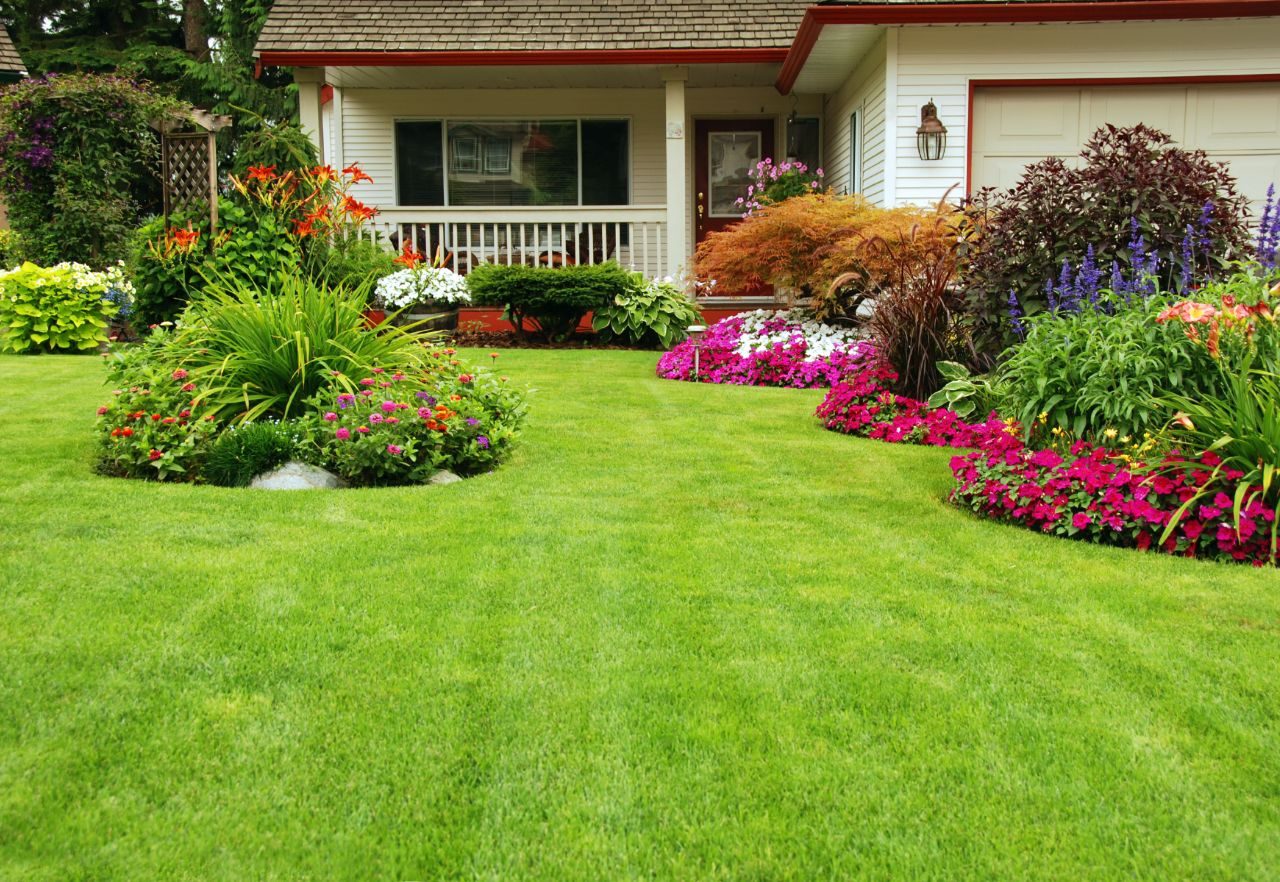 O jakich dodatkach i akcesoriach warto pamiętać przy aranżacji własnego ogrodu?