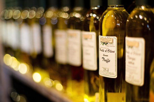 Rodzaje oliwy z oliwek – do czego można je stosować?